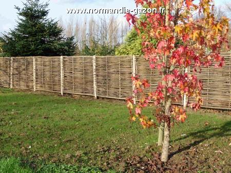 Bois de jardin en noisetier tressé